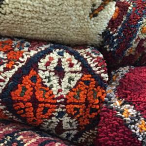 Gewebe und Teppiche